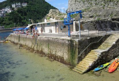 embarcacion fondeo pais vasco: