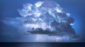 El Mediterráneo, menos caliente este verano: ¿tendremos menos lluvias torrenciales?